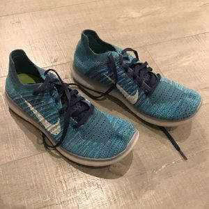 Nike Flyknit Running Shoes size 8.5